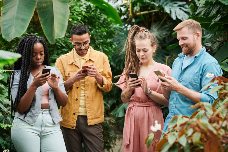 Step Away from The Phone – How to Do a Digital Detox in 1, 2, 3.